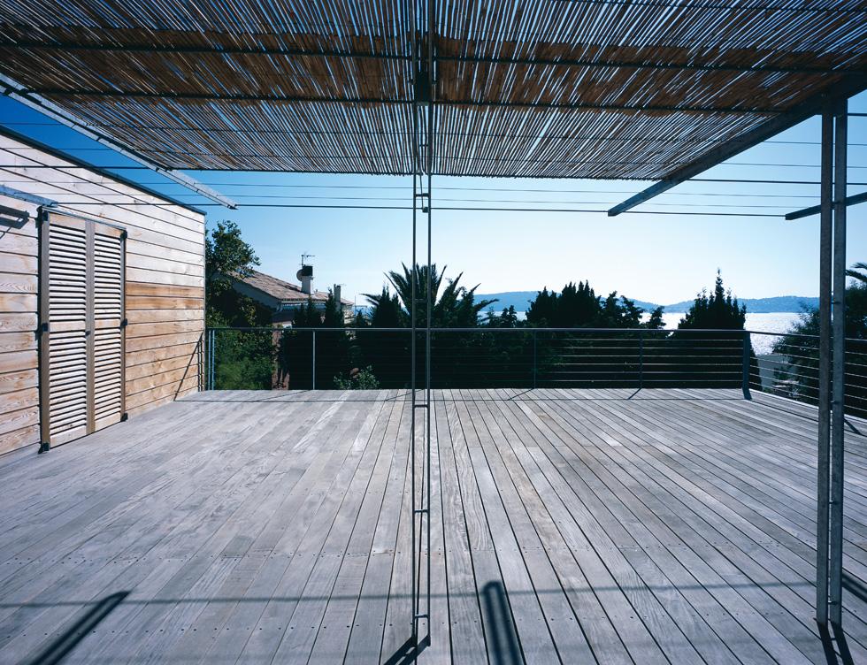 Maison de vill giature piscine fabienne g rin jean for Piscine oberkampf